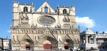 capodanno a lione circolo ricreativo universitario On fu sede di due concili ecumenici