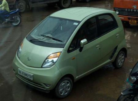 La Nano Tata auto da 1000 dollari